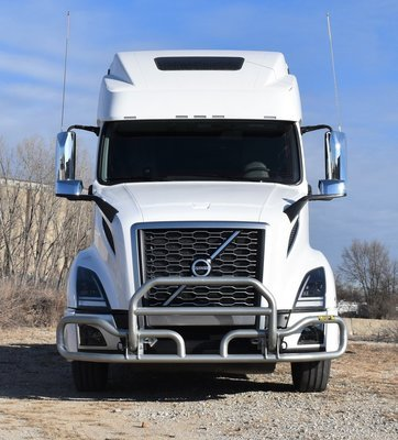 (04 and up) Volvo VNL Bumper Guard With Mounting Brackets
