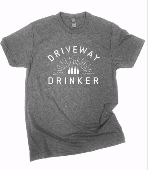 DRIVEWAY DRINKER Tee | charcoal