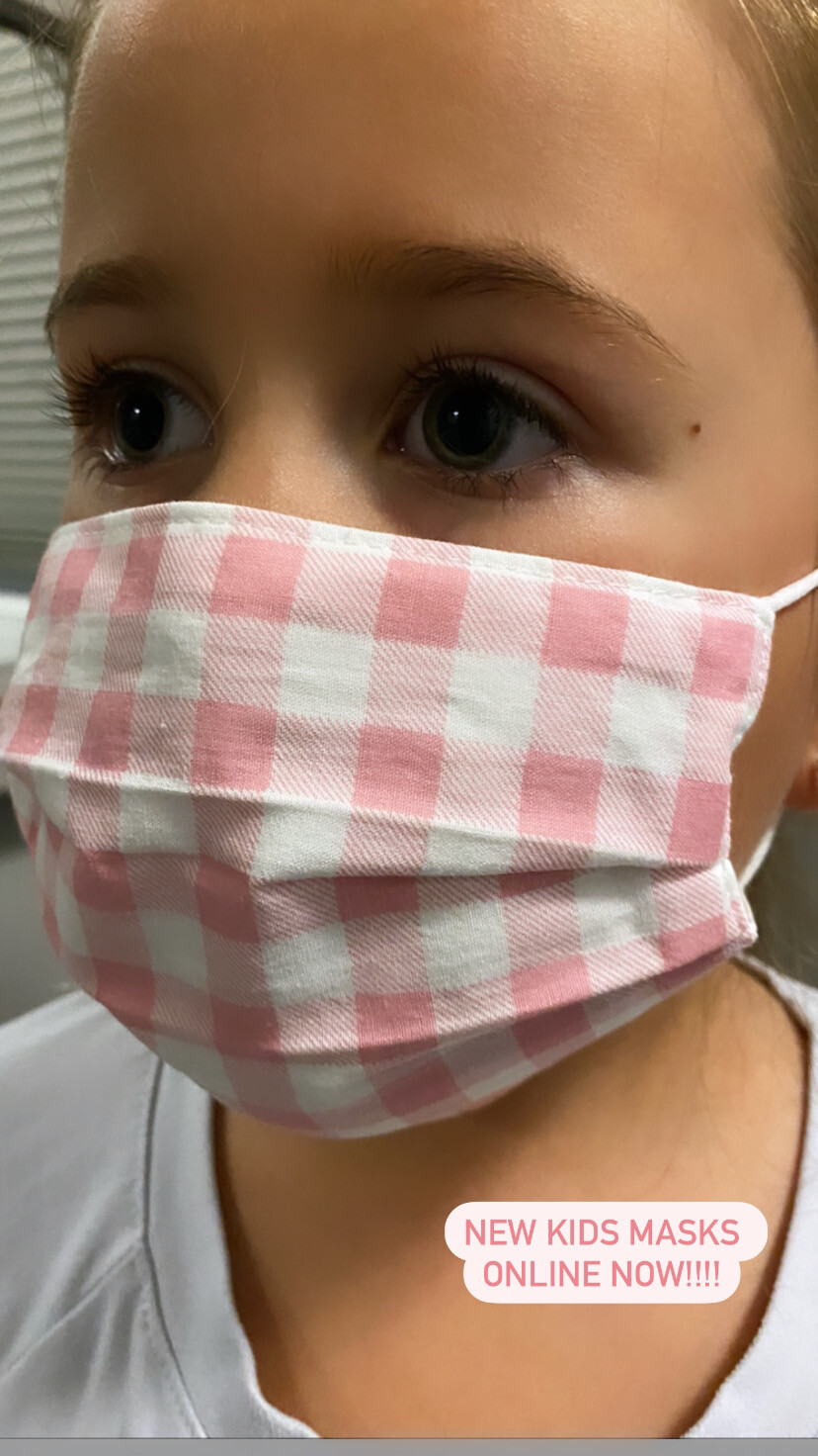 KIDS pink gingham pleated Mask
