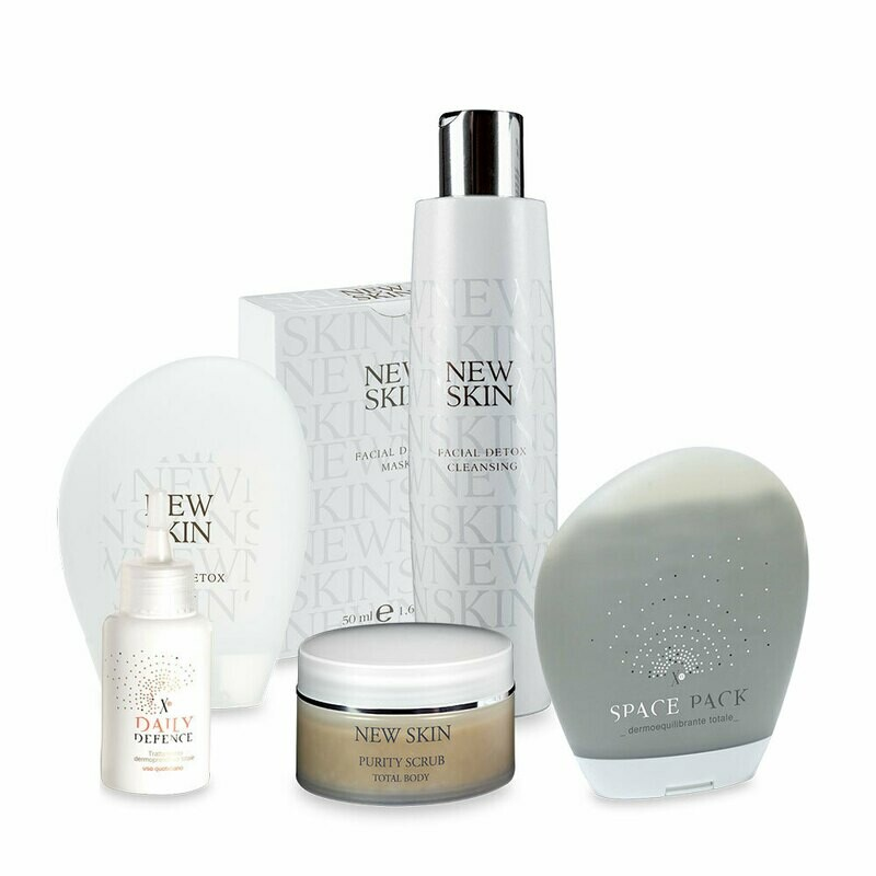 Daily Defence + Detox Cleasing + Argilla Space Pack + Purity Scrub + Detox Mask IN OMAGGIO Routine Pelle Grassa