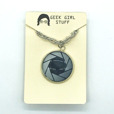 Photo Necklace - Aperture