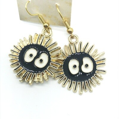 Soot friend with spiky gold edge earrings