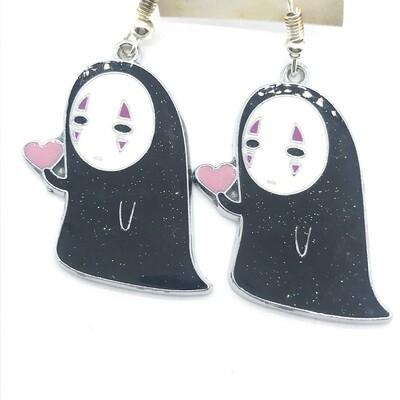 Faceless friend with a heart earrings