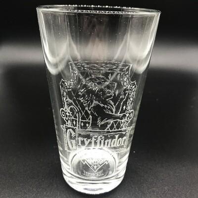 Etched 16oz pub glass - Brave Wizarding House