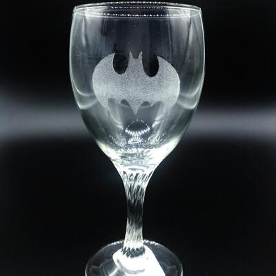 Etched 8oz wine glass with swirl stem - Bat