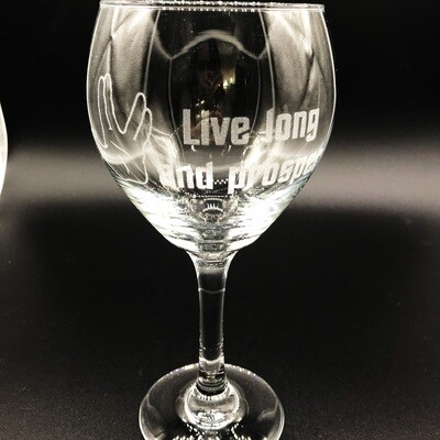 Etched 16oz wine glass - Live Long and Prosper