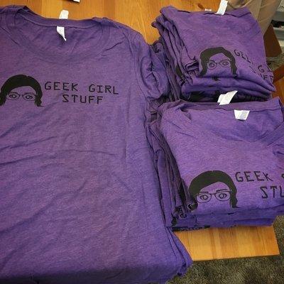Geek Girl Stuff T-shirt - Men's XL