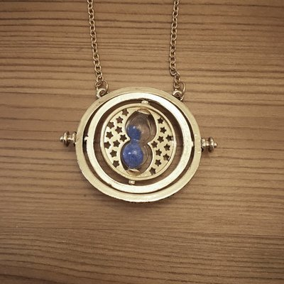 Hourglass necklace - blue