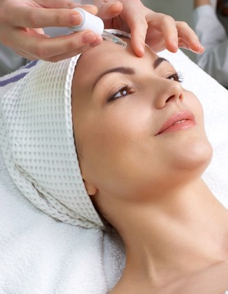20 units of Botulinum Toxin (Wrinkle Relaxing Treatment) for NEW CLIENTS ... (Reg $240.00)