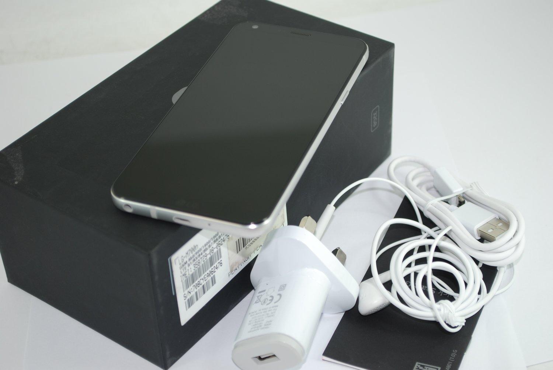 """LG Q6 Silver 5.5"""" Display 3GB RAM 32GB Octa Core 4G LTE Unlocked Smartphone"""