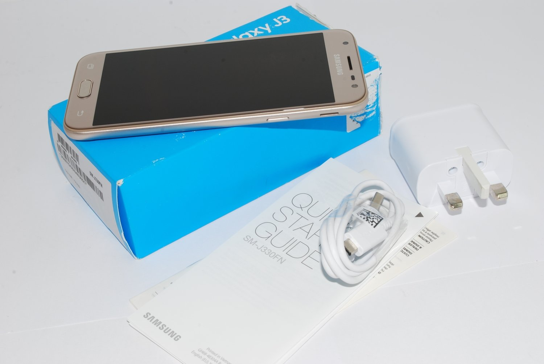 Samsung Galaxy J3 5 2017 SM-J330FN 16GB UNLOCKED GOLD 4G LTE 13MP UK STOCK #
