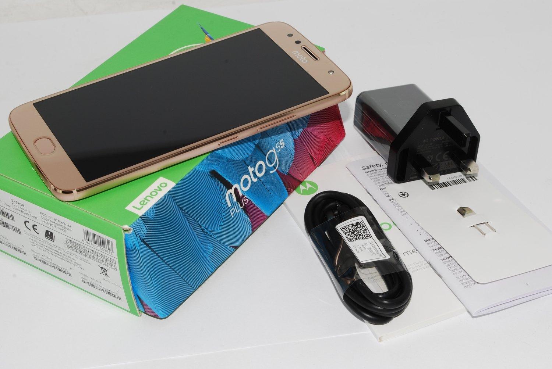 "Motorola G5S Plus Gold  5.5"" 32GB 4G Unlocked  SIM Free UK stock"