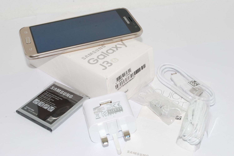 "NEW Samsung Galaxy J3 2016 Gold Sim Free 5"" 8MP 5MP SM-J320FN UK Version"