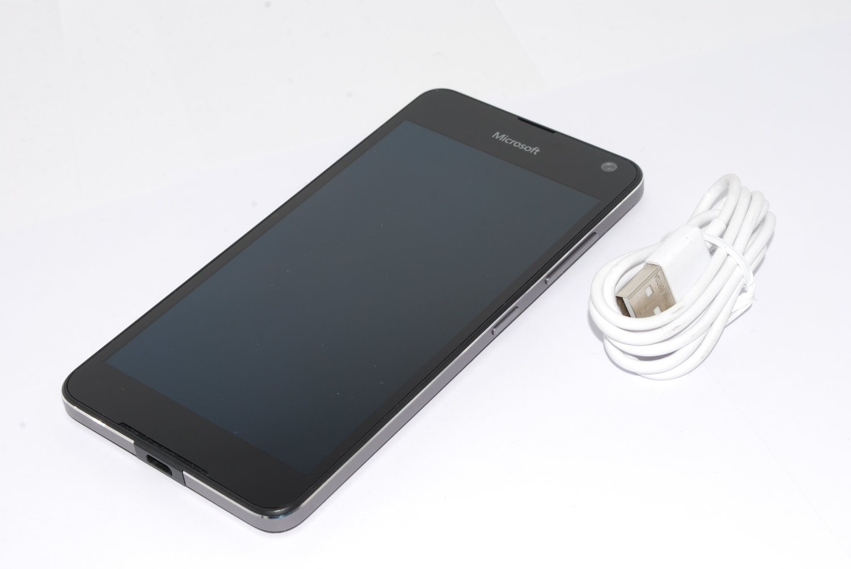 Microsoft Nokia LUMIA 650 8MP 16GB 4GUNLOCKED sim-free BLACK Windows Smartphone UK STOCK