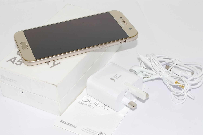 Samsung Galaxy A5 3GB 32GB 2017 Mobile Phone Gold unlocked UK STOCK