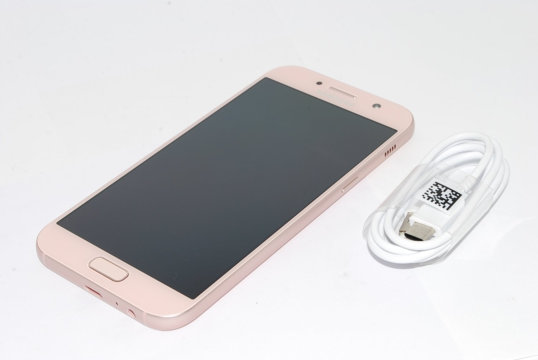 Samsung Galaxy A5 3GB 32GB 2017, Mobile Phone Peach, unlocked UK STOCK