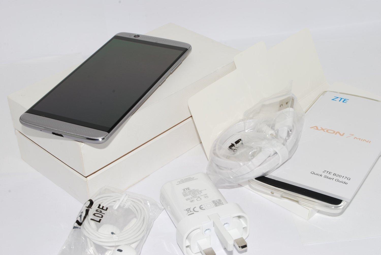 NEW ZTE Axon 7 Mini Smartphone 32GB 3GB RAM GRAY 3G 4G  Fingerprint Sensor