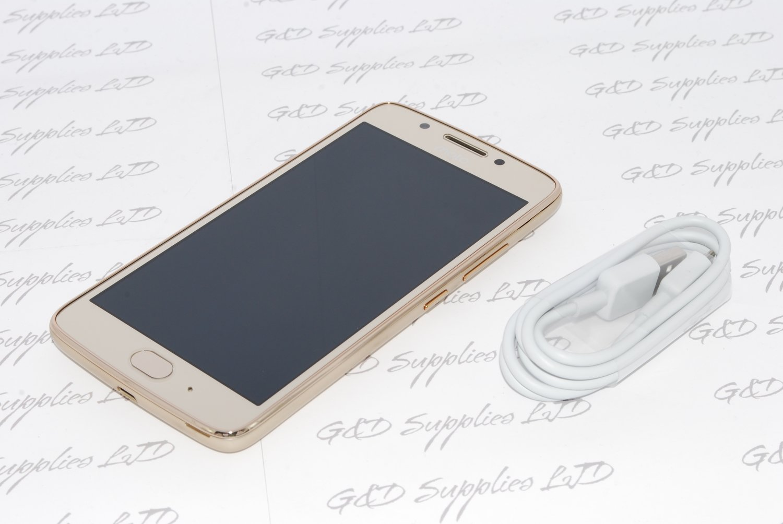 Motorola Moto G5 Gold Xt1675 16GB 4G LTE WIFI NFC 13MP UK STOCK NO BOX