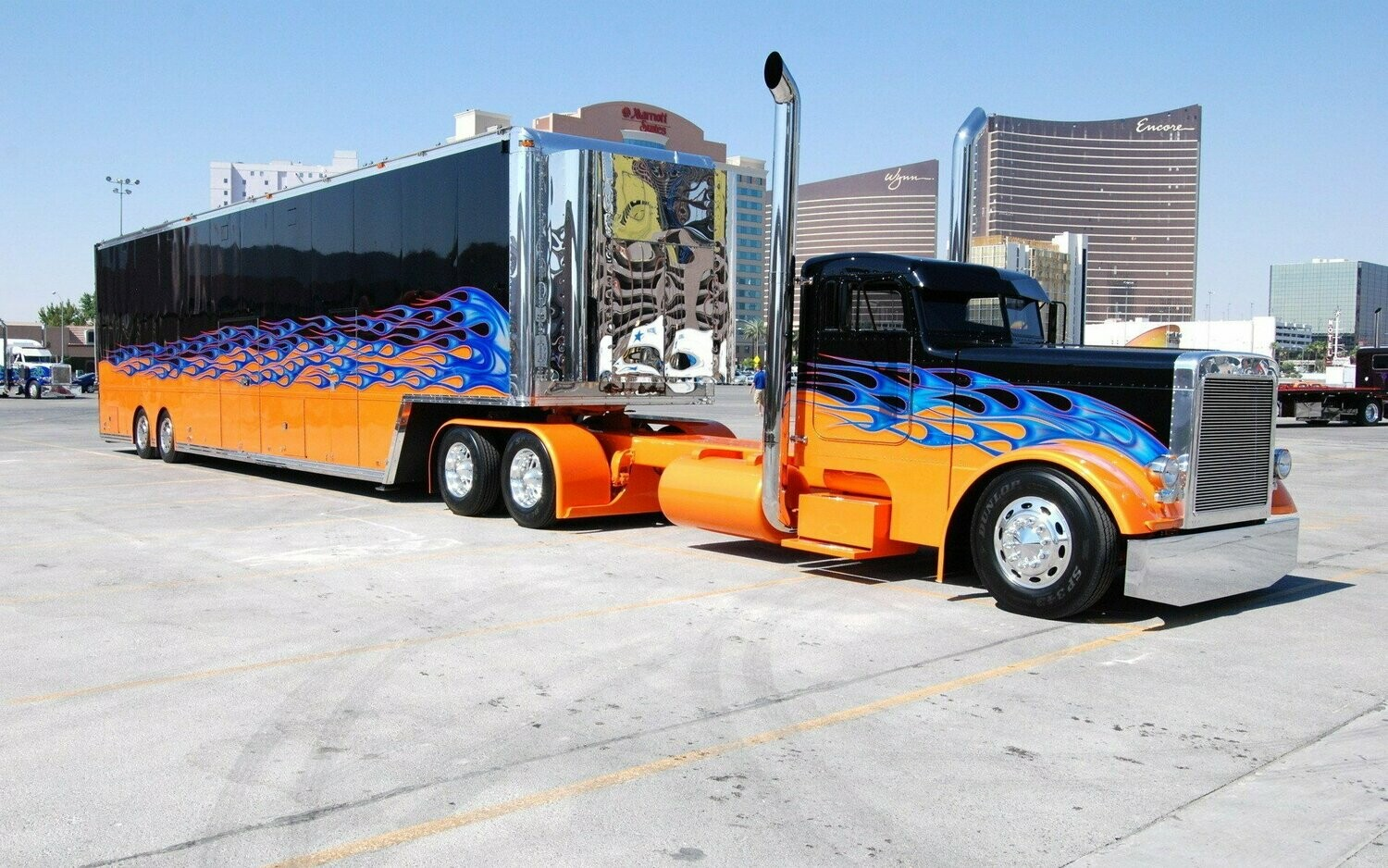 Big Trucks 12 - Full Drill Diamond Painting - Specially ordered for you. Delivery is approximately 4 - 6 weeks.