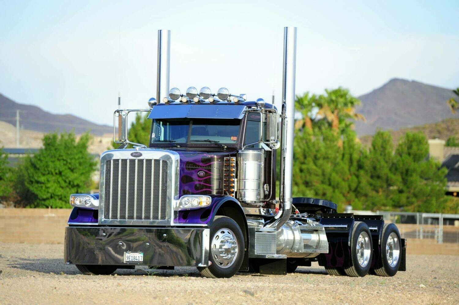 Big Trucks 16 - Full Drill Diamond Painting - Specially ordered for you. Delivery is approximately 4 - 6 weeks.