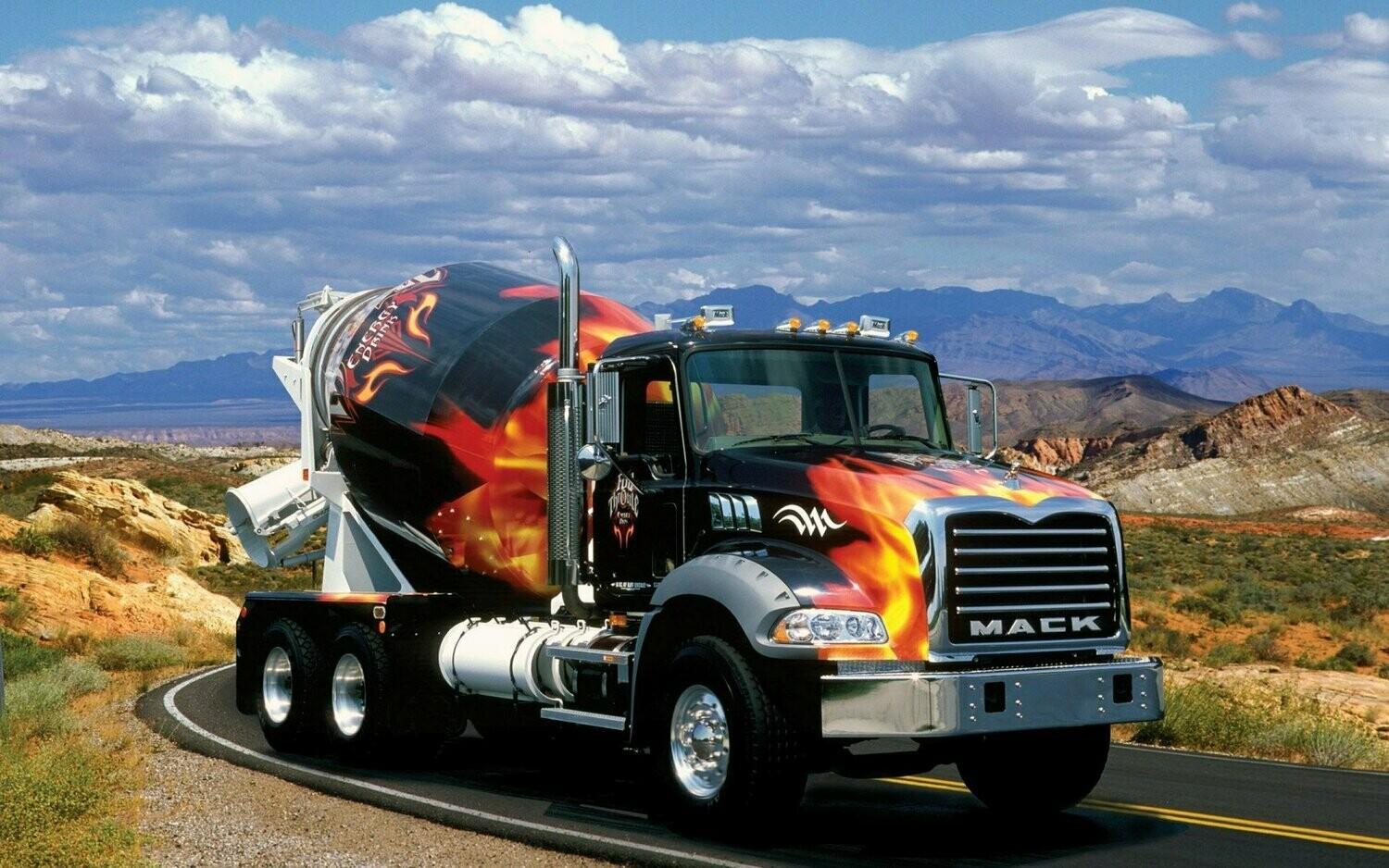 Big Trucks 20 - Full Drill Diamond Painting - Specially ordered for you. Delivery is approximately 4 - 6 weeks.
