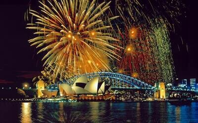 Sydney Fireworks - Full Drill Diamond Painting - Specially ordered for you. Delivery is approximately 4 - 6 weeks.