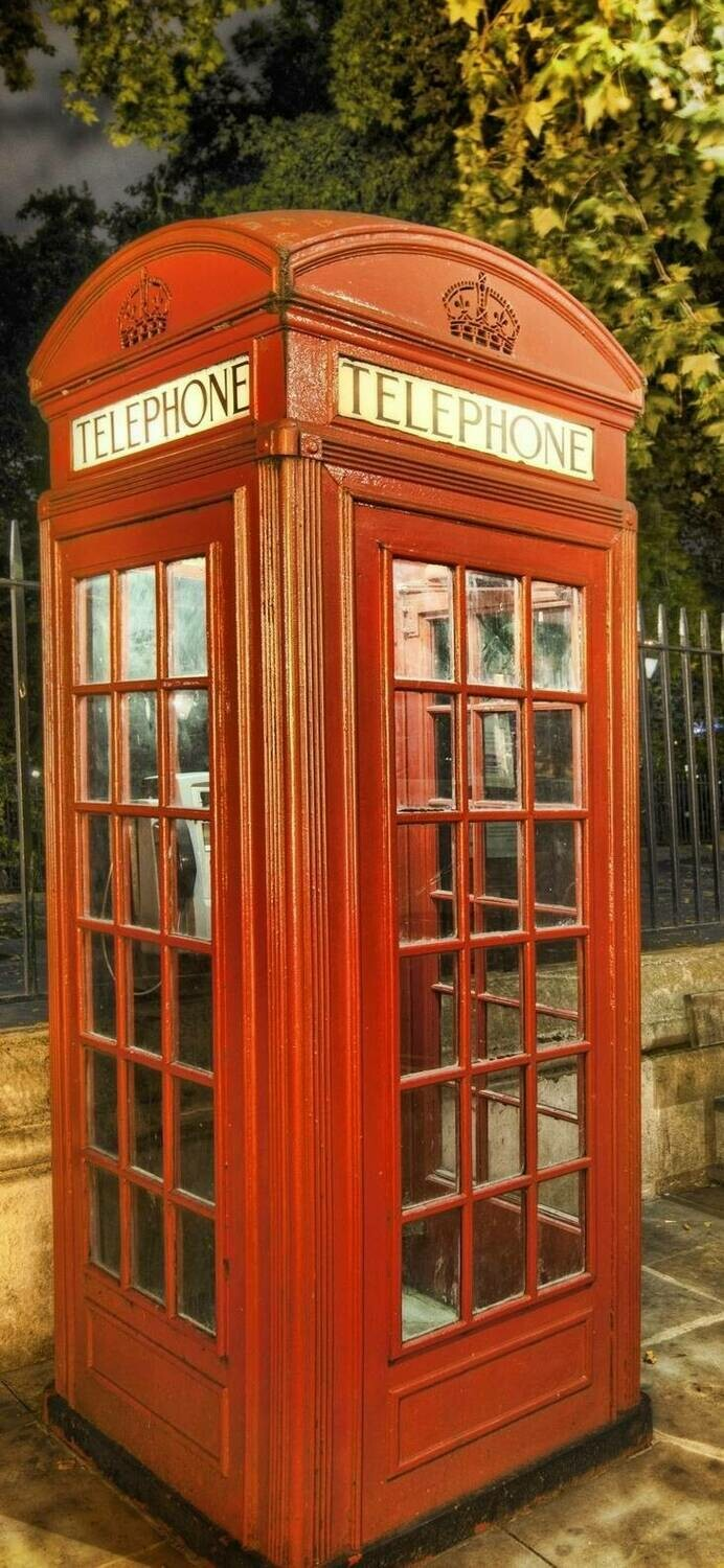 Telephone Box 03 - Full Drill Diamond Painting - Specially ordered for you. Delivery is approximately 4 - 6 weeks.