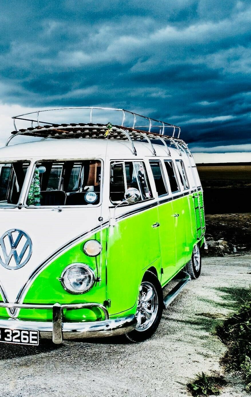 VW Van - Full Drill Diamond Painting - Specially ordered for you. Delivery is approximately 4 - 6 weeks.