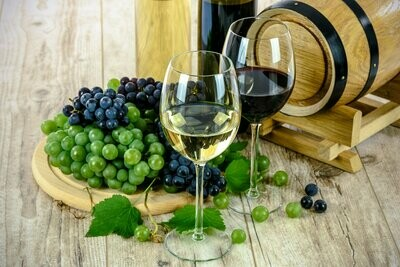 Wine and Grapes - Full Drill Diamond Painting - Specially ordered for you. Delivery is approximately 4 - 6 weeks.