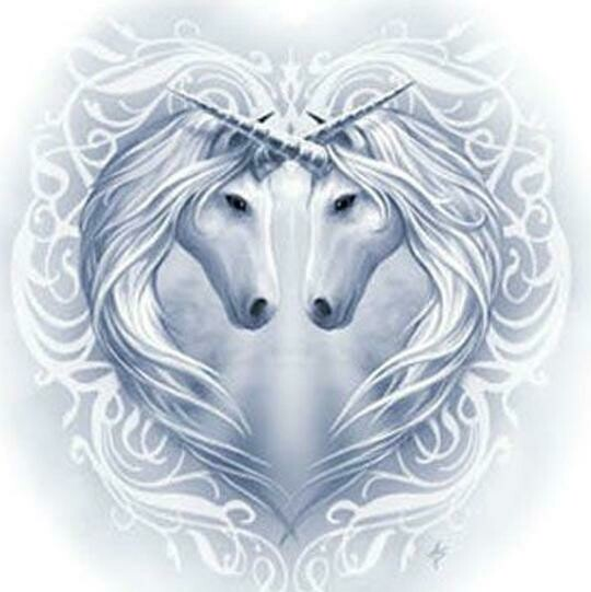 Unicorns In Heart - Full Drill Diamond Painting - Specially ordered for you. Delivery is approximately 4 - 6 weeks.