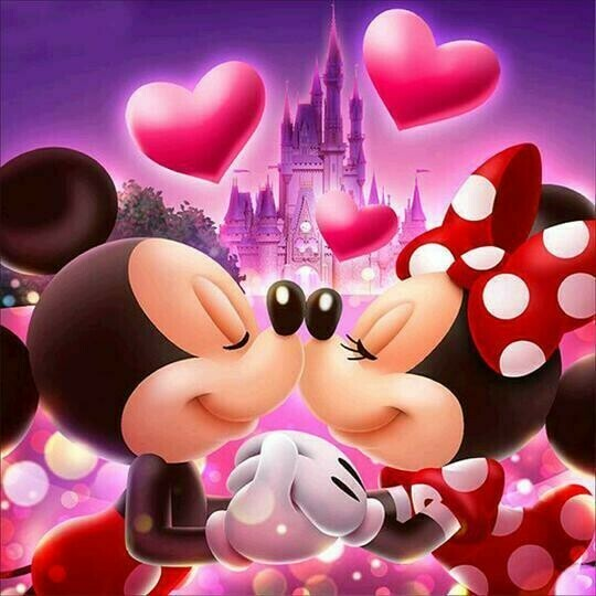 Mickey & Minnie in Love - 30 x 30cm Full Drill (Square) Diamond Painting Kit - Currently in stock