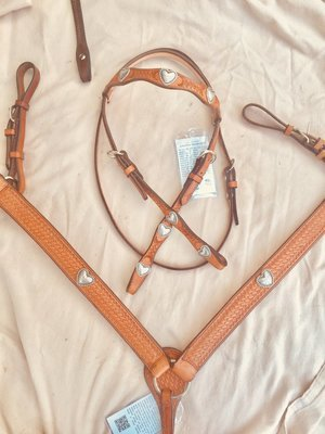 Buckaroo Leather Antique Heart Bridle & Breast Collar Set
