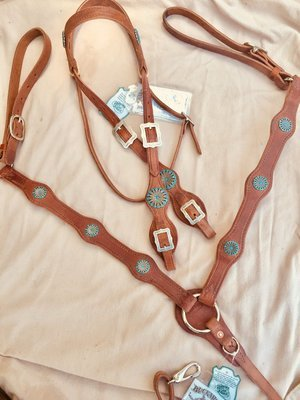 Buckaroo Leather Turquoise scallop bridle breast collar set