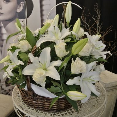Basket arrangement in all white