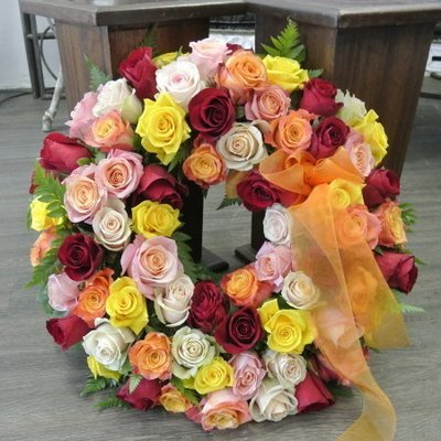 """20"""" Mixed all rose wreath"""