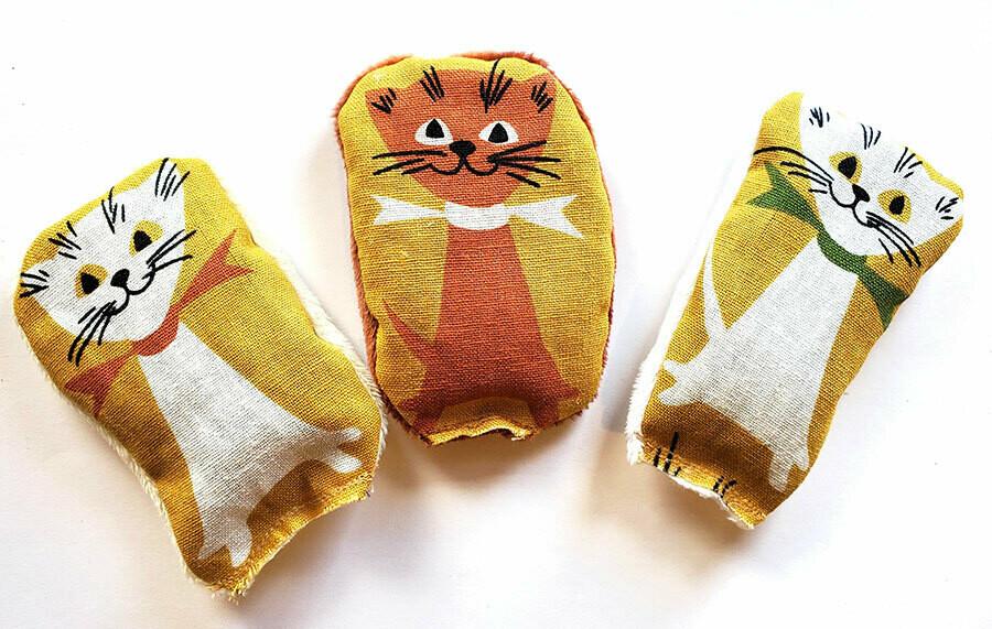 Retro Kitties