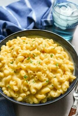 FROZEN* - MAC & CHEESE PIE - Option to have with small nuggets of Smokey Bacon too. An American Classic encased in our delicious pastry. A real Winter treat.