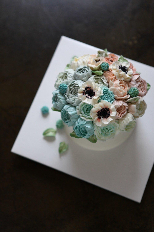 Full Flowers Butter Cream Cake