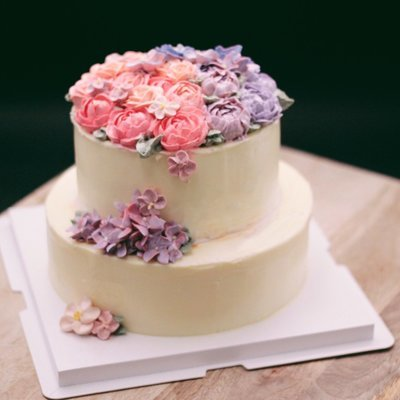 Two Tiers Buttercream Flower Cake