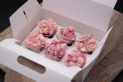 Buttercream cupcake set (6)