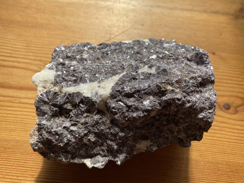 Lepidolite raw