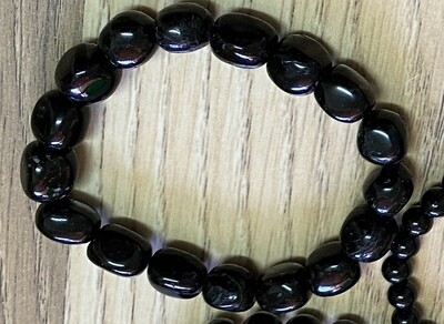 Black Toumaline bead (large bead) bracelet