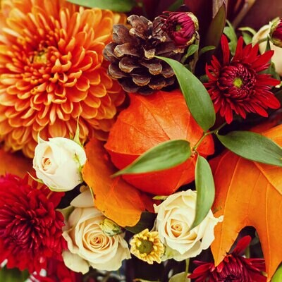 Fresh Floral Thanksgiving Table Centerpiece