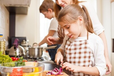 Foodie Gift Box: 'Junior Chefs in the Kitchen' (Age 9-14)
