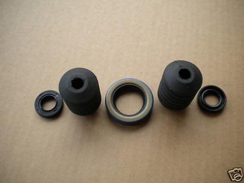 M35A2 2.5 TON PTO COMPLETE SEAL KIT WITH BOOTS