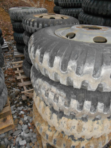 2.5 ton M35A2 series 9.00-20 NDT tire and wheel 6 hole budd will fit older Ford 45-80%