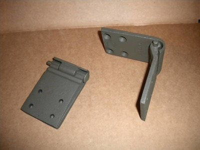 M35A2 M800 SERIES DOOR HINGES 2.5 AND 5 TON 7373284