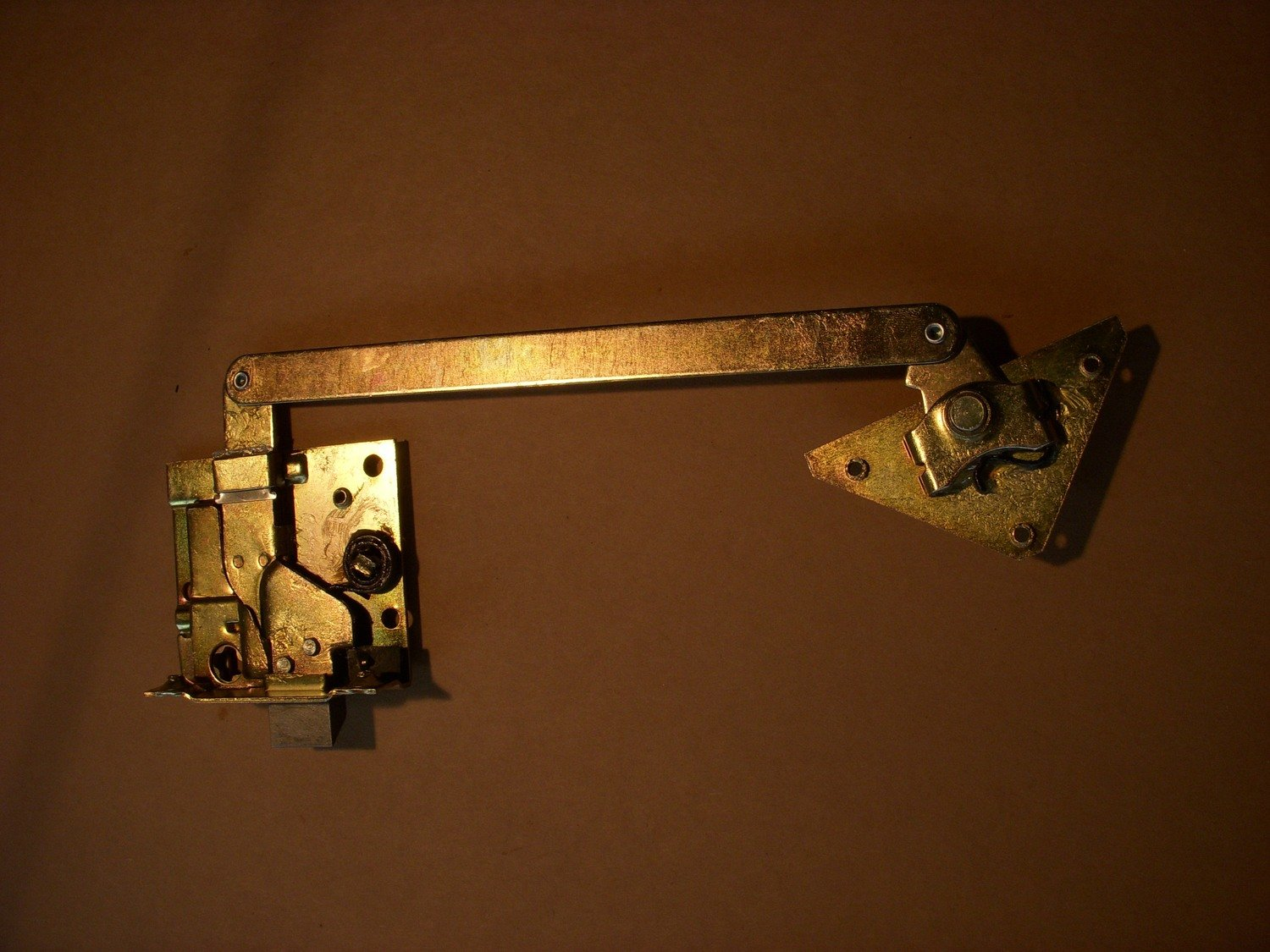 New 2.5 and 5 ton door lock latch right hand