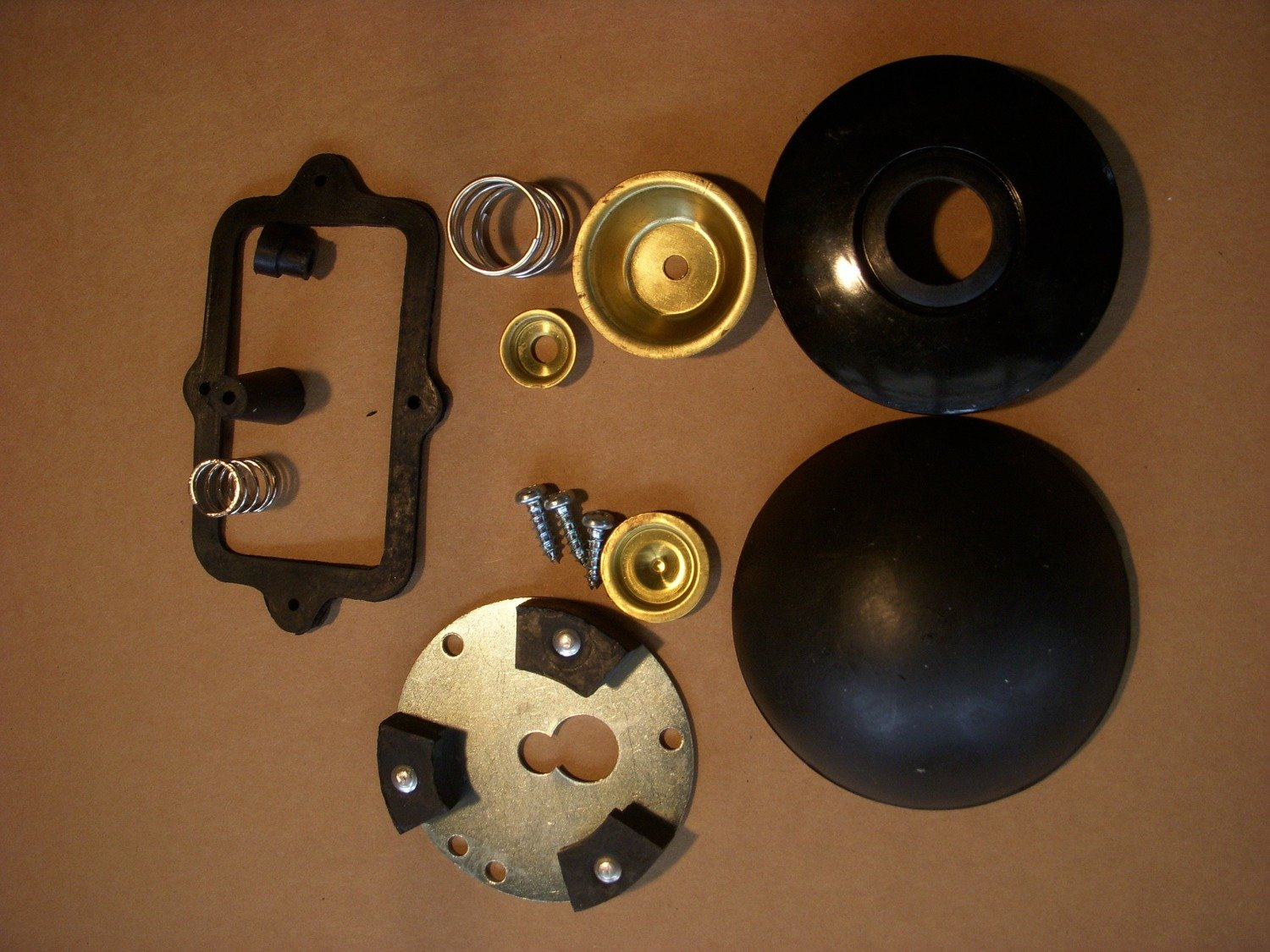 Horn button kit for 2.5 ton and 5 ton trucks