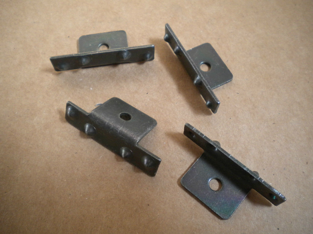 M35 M35A2 M809 M813 M818 2.5-5 ton rubber door seal metal clips 7373283 set of 4